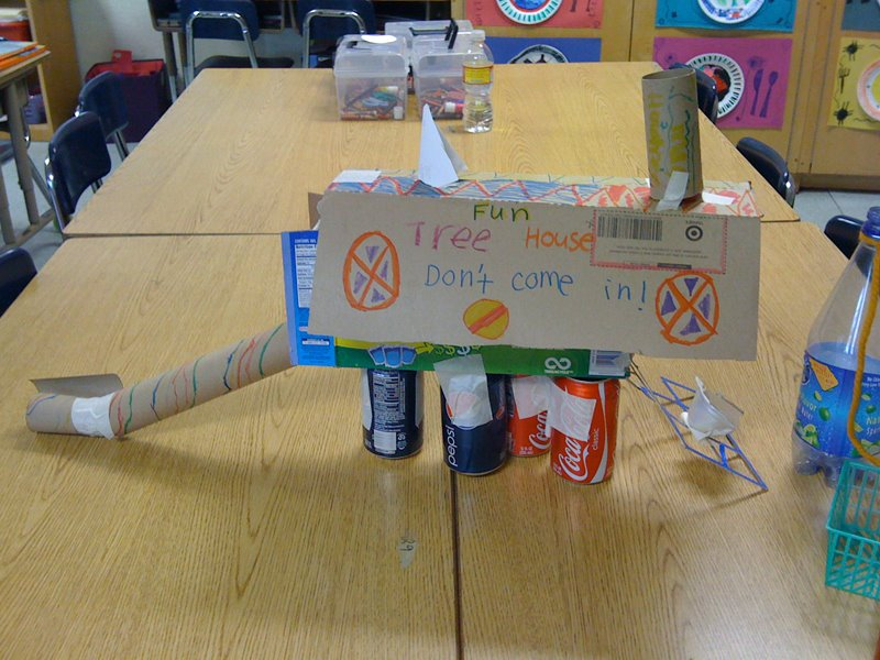 Art projects using recyclable materials for Project using recyclable items